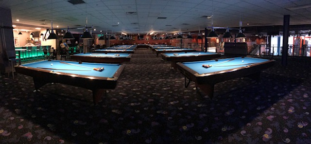 Flix Sports Bar Billiards - Bar and pool table near me